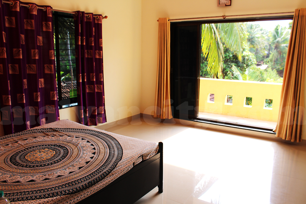 Om Sai Raghu vandana Home Stay Room No 1