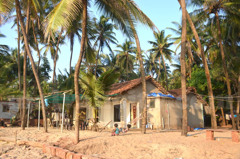 Sea & Sun Home Stay - Homestay Exterior View
